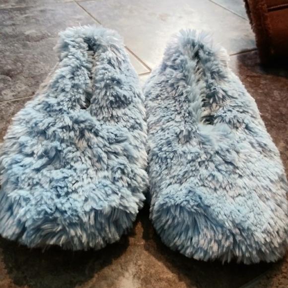 Dearfoams Light Blue Fuzzy Slippers 67m